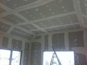 pose de plafond et de doublage