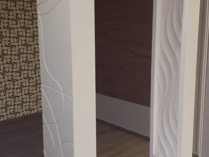 Meuble design en staff fabriqué sur mesure a l'atelier visible dans notre show-room