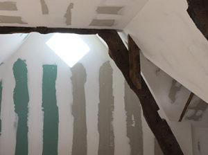 Maison à colombages plâtrerie sèche
