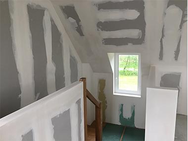 Palier cage escalier plâtrerie sèche